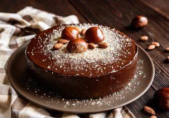 τούρτα κάστανο με κάστανα και σοκολάτα επικάλυψη σοκολάτας γλυκό συνταγη αργυρω