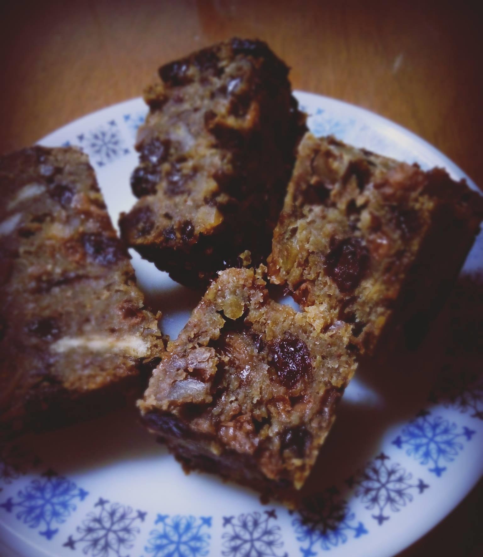 Κέικ βρώμης με ξηρούς καρπούς, του Κωνσταντίνου Μπίκου