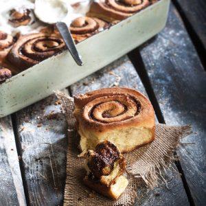 Ρολάκια κανέλας (Cinnamon rolls)-featured_image