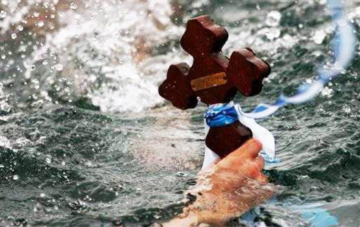 Έρχονται τα Φώτα και ο Φωτισμός- Τα έθιμα της Ελλάδας και η σημασία της μεγάλης γιορτής-featured_image
