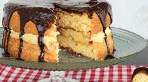 τούρτα κωκ με γλάσο σοκολάτας