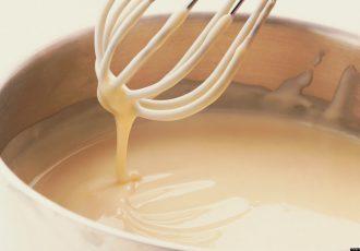 νηστίσιμη μπεσαμέλ χωρίς αυγά και γάλα βίγκαν vegan