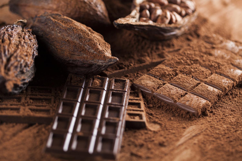 Πού να βάλω τη σοκολάτα μου, στο ψυγείο ή στο ντουλάπι; Τα μυστικά της σωστής συντήρησης-featured_image