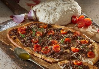 ζυμη για σπιτικη φοκάτσια με κρεμμυδια focaccia αυθεντικη ιταλικη συνταγη
