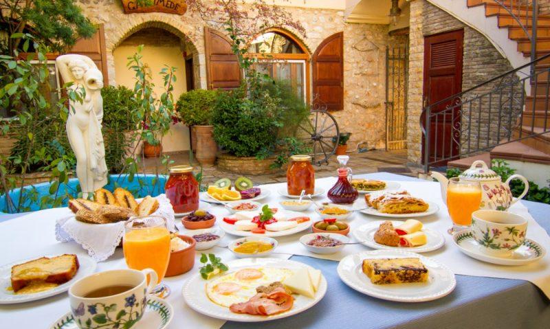 Γανυμήδης: Ζήσε το όνειρο της φιλοξενίας στο διεθνούς φήμης ξενοδοχείο του Γαλαξιδίου, με το διάσημο, βραβευμένο πρωινό-featured_image