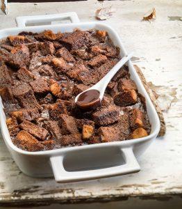 Πουτίγκα με ψωμί (Bread and butter pudding)-featured_image
