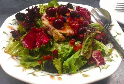 Σαλάτα με κόκκινα φρούτα-featured_image