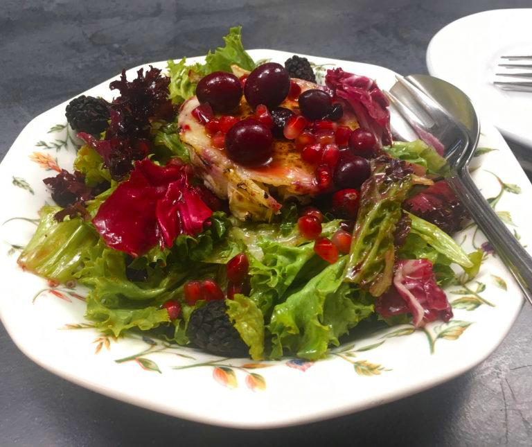 Σαλάτα με κόκκινα φρούτα