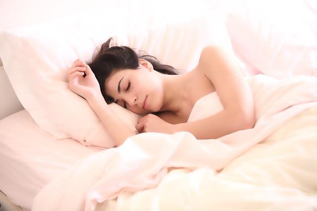7 τρόφιμα που σας βοηθούν να κοιμηθείτε-featured_image