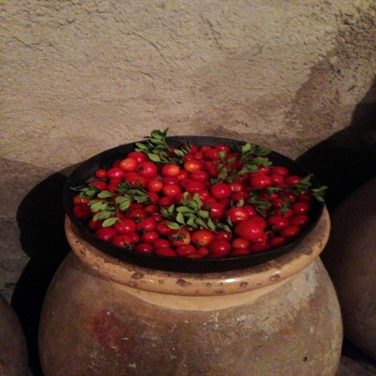 Plus: Κάθε χωριό, μεσαιωνικό ή μη, έχει το δικό του παραδοσιακό πανηγύρι! Ξεχωρίζουν αυτό της Καλαμωτής (26-27 Ιουλίου), του Εμπορείου (5 Αυγούστου) και των Μεστών (15 Αυγούστου)! argiro.gr