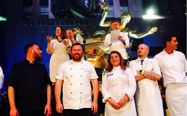 Η Αργυρώ Μπαρμπαρίγου με τη Λέσχη Αρχιμαγείρων Βορείου Ελλάδος στο 32nd Annual Chefs' Tribute to Citymeals on Wheels-featured_image