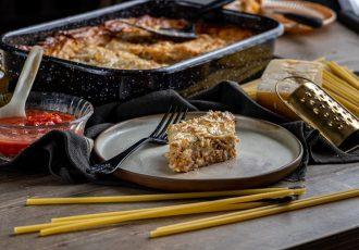 μακαρονόπιτα με φύλλο κρούστας και σπαγγετι