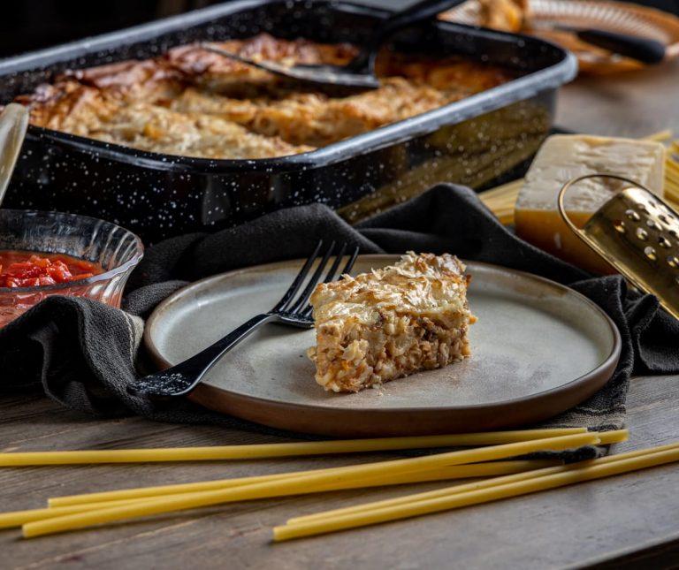 Μακαρονόπιτα με φύλλο κρούστας
