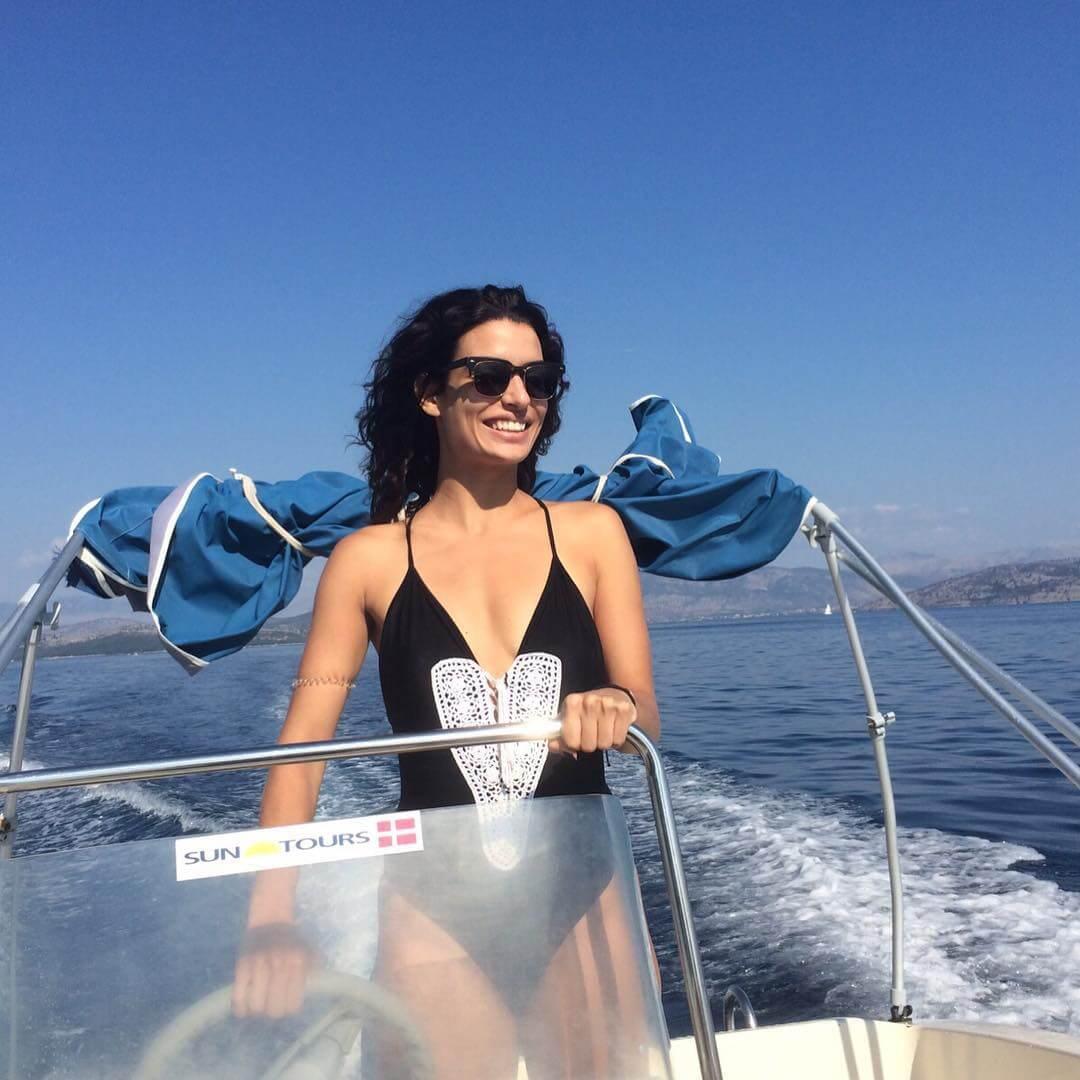 Δε βαριέμαι ποτέ να..: πηγαίνω με βάρκα σε πιο απόμερες παραλίες