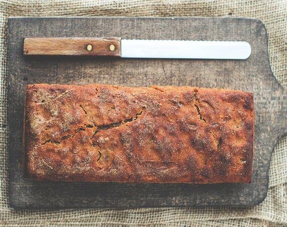 Εύκολο ψωμί χωρίς μαγιά, χωρίς αλεύρι