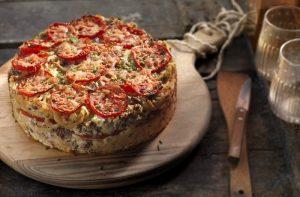 ευκολη μακαρονόπιτα χωρίς φύλλο µε τυριά και ζαμπον γρηγορη συνταγη