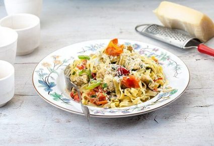 Ταλιατέλες με κοτόπουλο και πικάντικη κρέμα λαχανικών-featured_image