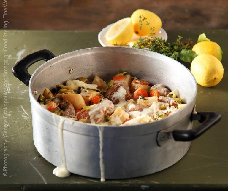 Χοιρινό με σελινόριζα αυγολέμονο
