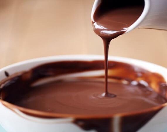 Σάλτσα σοκολάτα-μέλι