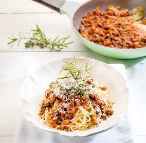 αυθεντική σάλτσα μπολονέζ για μακαρόνια συνταγη αργυρω