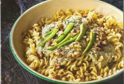 Ζυμαρικά με αβοκάντο και καρυδάτη σάλτσα-featured_image