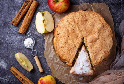 Εύκολη μηλόπιτα αφράτη-featured_image