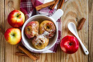 μήλα στο φούρνο συνταγη αργυρω
