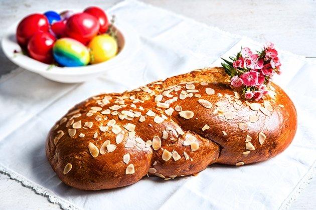 Φανταστικές συνταγές για κορδονάτα, αφράτα τσουρέκια με ίνες-featured_image