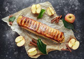 στρούντελ μήλου με σφολιάτα και κρεμα συνταγη αργυρω