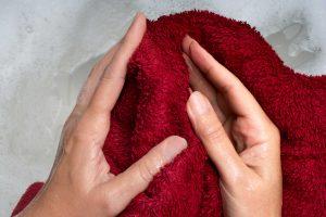 Χρησιμοποιήστε μια βρεγμένη πετσέτα