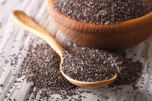 Οι σπόροι Chia είναι μια καλή πηγή ωμέγα-3 λιπαρών οξέων, τα οποία ωφελούν την καρδιά.