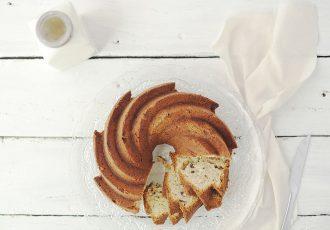 αφράτο κέικ με λάδι και γιαούρτι