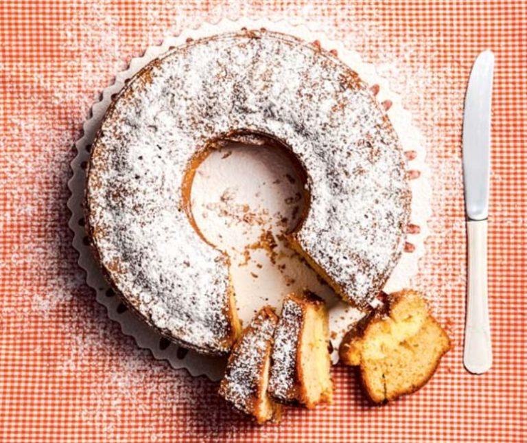 Κέικ γεμιστό με κρέμα τυριού