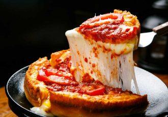 πίτσα με αφράτη ζύμη