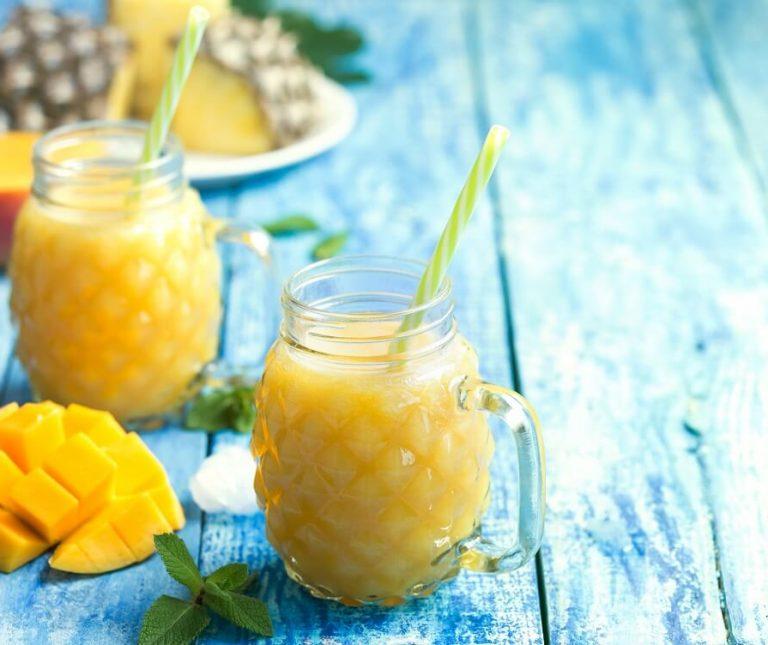 Καλοκαιρινό smoothie με φρούτα