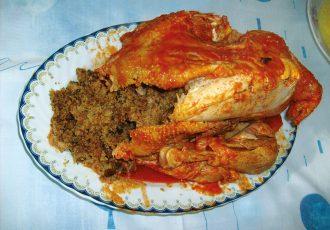 κόκορας γεμιστός στο φούρνο πετεινος παραδοσιακή συνταγή