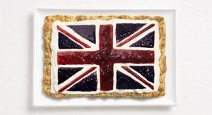 Της Αγγλίας με ζύμη πίτας, κρέμα και μαρμελάδες