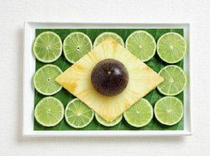 Της Βραζιλίας, με φύλλα μπανάνας, λάιμ, ανανά και φρούτα του πάθους