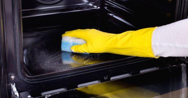 φούρνος καθάρισμα φούρνου με αμμωνία σοδα καθαρισμος με λεμονι καθαρός φούρνος