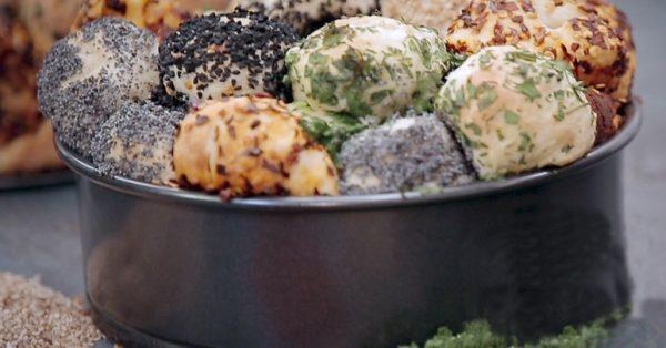 σκορδόψωμο με τυρί χρωματιστό τυροψωμο ψωμι συνταγη αργυρώ μπαρμπαρίγου