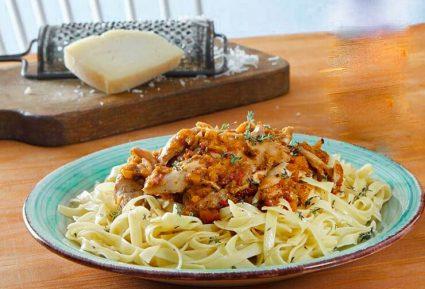 Χυλοπίτες με μπουτάκια κοτόπουλου και τέλεια σάλτσα-featured_image
