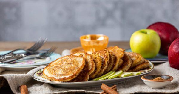 τηγανίτες μήλου με μήλο συνταγη αργυρω