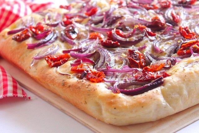 Παραδοσιακή Λαδένια: Μια νηστίσιμη πίτσα ελληνική με άρωμα Αιγαίου-featured_image