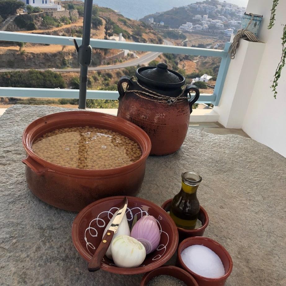 συνταγη για παραδοσιακη ρεβυθάδα Σίφνου σε πήλινο στον ξυλόφουρνο