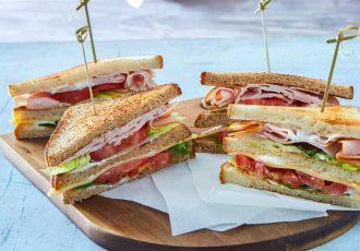 σπιτικό club sandwich συνταγή κλαμπ σάντουιτς για παιδικό παρτυ