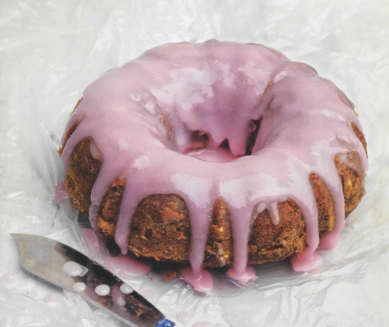 Κέικ σαγκουίνι με ροζ γλάσο
