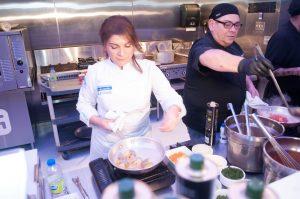 Η Αργυρώ Μπαρμπαρίγου έκανε μια ζωντανή παρουσίαση μαγειρικής με θαλασσινές γεύσεις του Αιγαίου χρησιμοποιώντας ελληνικά προϊόντα, ενώ δίπλα της ο σέφ Λουκάς Πανούσης και ο γαλλοκαναδός σεφ Olivier Turgeon έδειξαν τη δική τους μαγειρική δεινότητα καταθέτοντας την άποψή τους για τις θαλασσινές συνταγές.