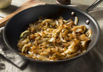 καραμελωμένα κρεμμύδια εύκολα γρήγορα για πίτσα μπέργκερ χοτ ντογκ τάρτες κρέας φάβα