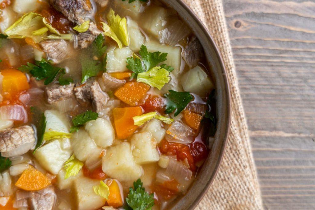 βραστο μοσχάρι σούπα με λαχανικα συνταγη μοσχαροσουπα