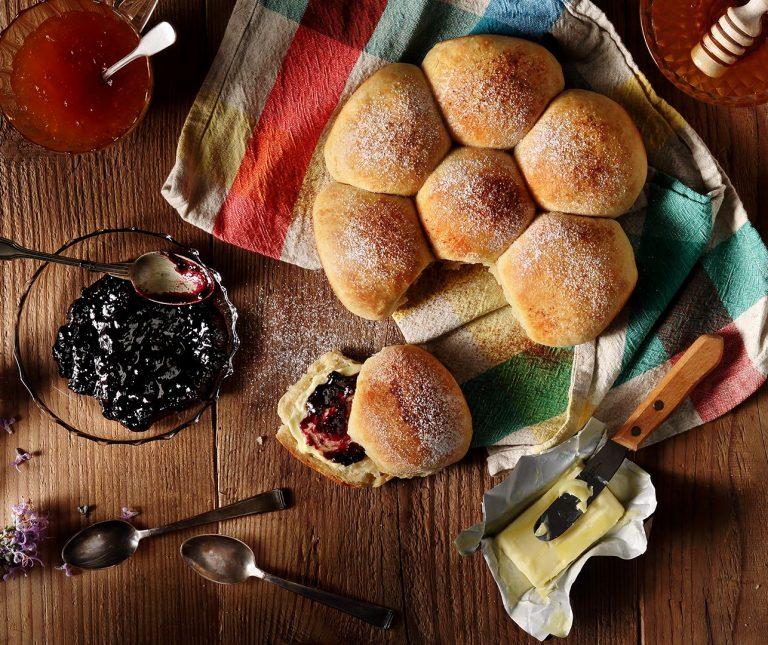 Εύκολα ψωμάκια για πρωινό